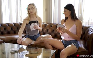 Strong oral fun during poker enjoyment be beneficial to lesbians on fire