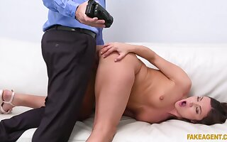 Teen beauty casts for porn and she wants to prove it