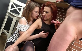 Mature shows stepdaughter proper cock sharing twchniques