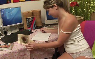amateur smiling teen blonde stuffs her pussy with a dildo