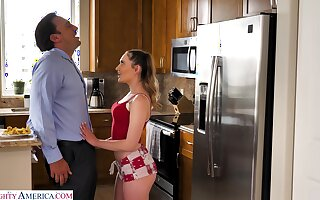 Procreate can't say no to sex-starved stepdaughter Sera Ryder