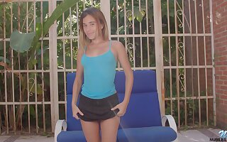 Torrid all natural babe Shana Ricci gets nude increased by desires to please herself